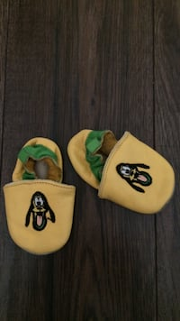 Yellow goofy baby slippers shoes size 6-12 months Toronto, M1W 1Y2