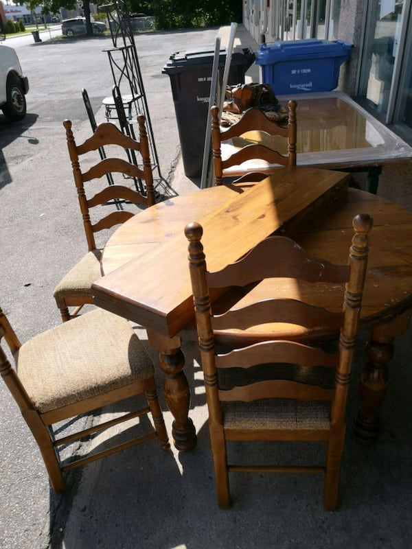 Used Set Cuisine 6 Chaises Table 2 Rallonge Bois For Sale In