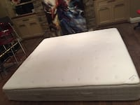 white and black bed mattress Montréal, H3E 2C1