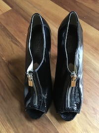 Micheal Kors Patent leather heels Calgary, T2N