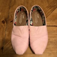 Ladies Toms size 6 Surrey, V3W 1B9
