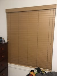 """Wood faux blinds 40""""x70"""" Ontario, 91762"""