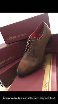 Pair of brown leather dress shoes with box Montréal, H8T 1M5