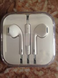 Apple earphone OEM product f London, N6B