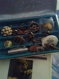 Little box filled with collectibles Rio Rancho, 87124