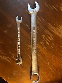 2 Craftsman Wrench's