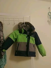 Boys oshkosh size 6 winter coat Barrie, L4N 5L3