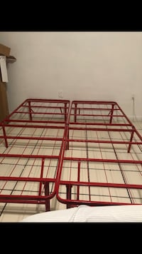 Metal bed frame red  Miami, 33126