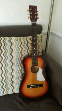 Small guitar for young beginners Virginia Beach, 23454
