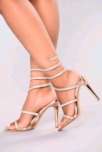 FashionNova Yassi Jeweled Heel Rose Gold Toronto, M4L 2S4