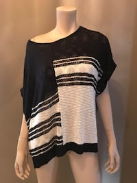 Knitted off shoulder top  Toronto, M6A 1N2