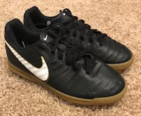 Youth Kids Nike Tiempo X Indoor Soccer cleats shoe size 1.5Y Grove City, 43123
