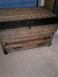 Wicker chest with drawer Toronto, M4C 5M9