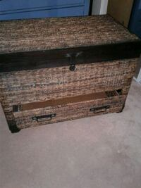 Wicker chest with drawer.