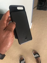 black iPhone 7 with black case Severn, 21144
