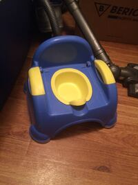 toddler's blue and yellow potty trainer Winnipeg, R2G 0V9