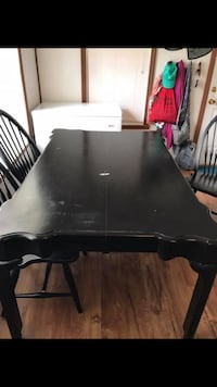 Kincaid table and chairs must pick up in Rutherford College  Rutherford College, 28612