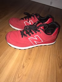 New balance size 9.5 men shoes red Vancouver, V5M 3A6