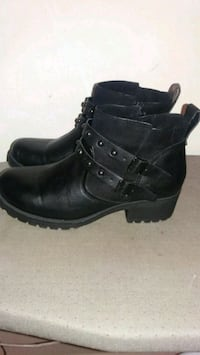 Ladies shoe boots size 7 Pikesville, 21208