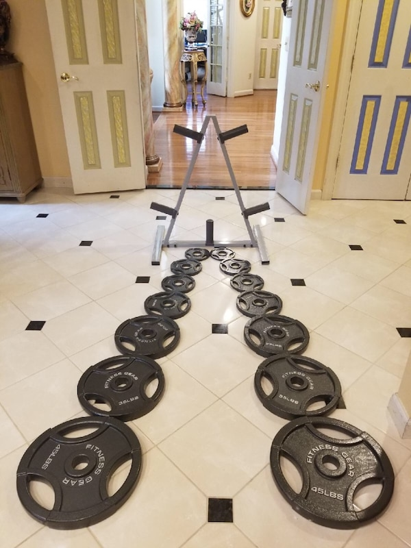 Fitness gear weights with tree rack