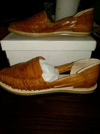 pair of brown leather loafers D'Santy ( Guaraches) Riverside, 92503