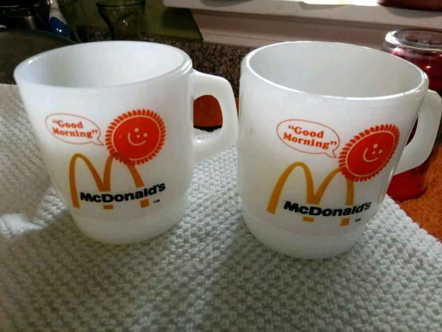 Photo Ankorhocking McDonalds a set of cups