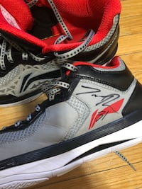 Terrence Ross worn & signed shoes