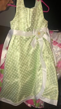 """Easter dresses 2 """"6"""" , 1 """"6x"""" and 1 """"7"""""""