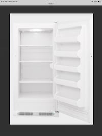 17 cu,ft FRIGIDAIRE UPRIGHT FREEZER Pontiac, J0X 2G0