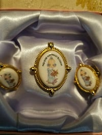 Precious Moments 1999 PMI clip on earrings and pin