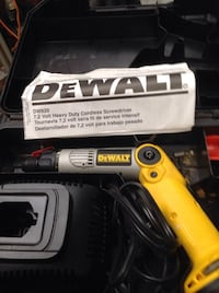 DeWalt heavy duty cordless screwdriver with case