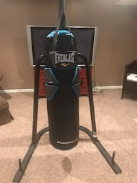 black Everlast heavy bag with stand Milford, 45150