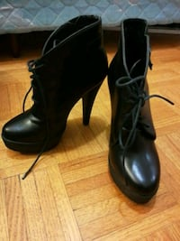 Black leather heel size 5.5/6 Toronto, M5V 0M2