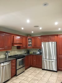 FULL SIZED KITCHEN FOR SALE. GRANITE COUNTERTOPS AND CABINETS Toronto, M3K