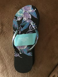 Brand new ladies flip flops-size small...