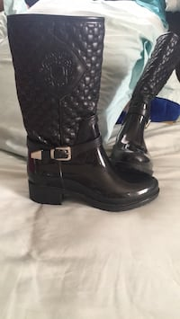 Black rain boots for kid size 12 Los Angeles, 90044