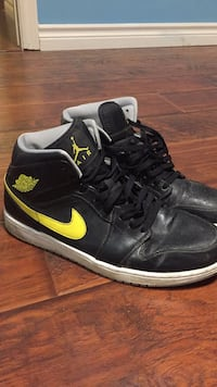Jordan 1s Black & Yellow Size 13 Lakeshore, N0R 1V0