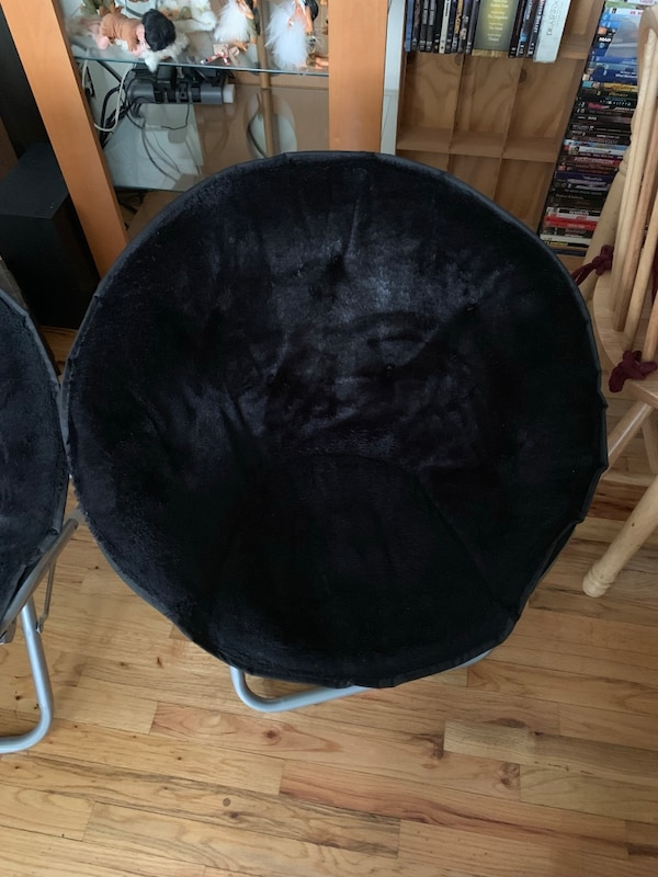 Awesome Two Folding Saucer Chairs Black Alphanode Cool Chair Designs And Ideas Alphanodeonline