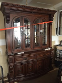 Solid wood Red Oak China cabinet Edmonton, T6R 2N6