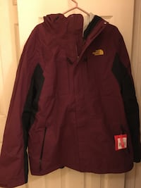 New North Face  Men's large 3 in 1 jacket.   Norton, 02766
