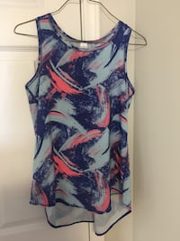 blue and red floral scoop-neck sleeveless top Edmonton, T5Z 0K9