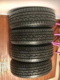215/70/15 tires TOYO all seasons new set of 4 like brand new