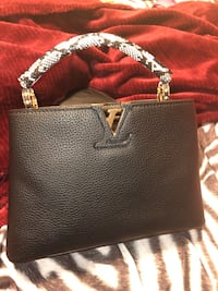 Women's black k leather LV handbag Hartford, 06112