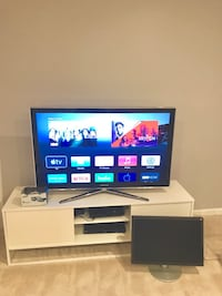 Samsung TV  43 inches, TV Stand 66 inches, Samsung 3 d glasses, Free PC mintor Alexandria, 22305
