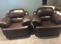 two black leather sofa chairs London, N5V 4Y6