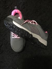 Brand new safety shoes, size 9 for women  Vaughan, L6A 3P8