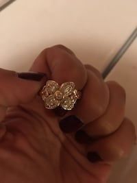 Ring in gold color