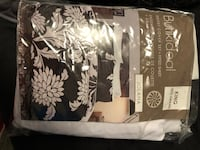 Duvet and fitted sheet set  Calgary, T3J 4Z2