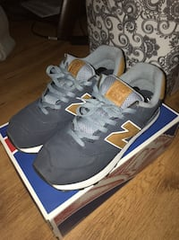 Grey and blue new balance shoes Toronto, M2R 3N8