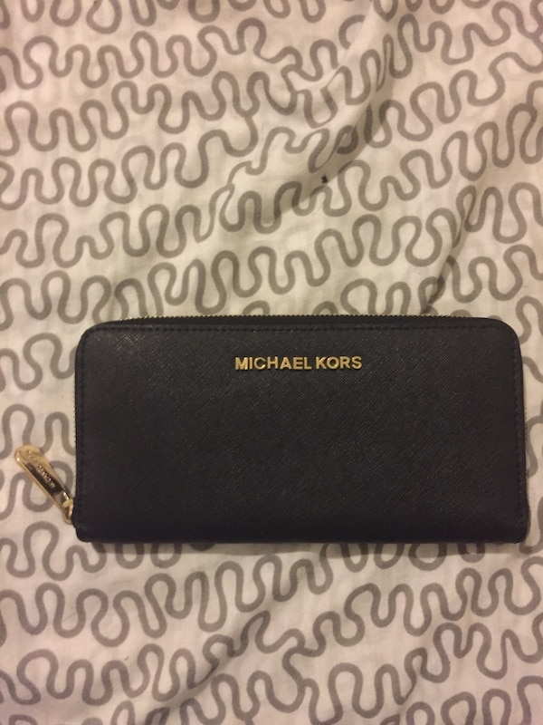 854de1d5ead5 Used Michael Kors Wallet for sale in Jersey City - letgo
